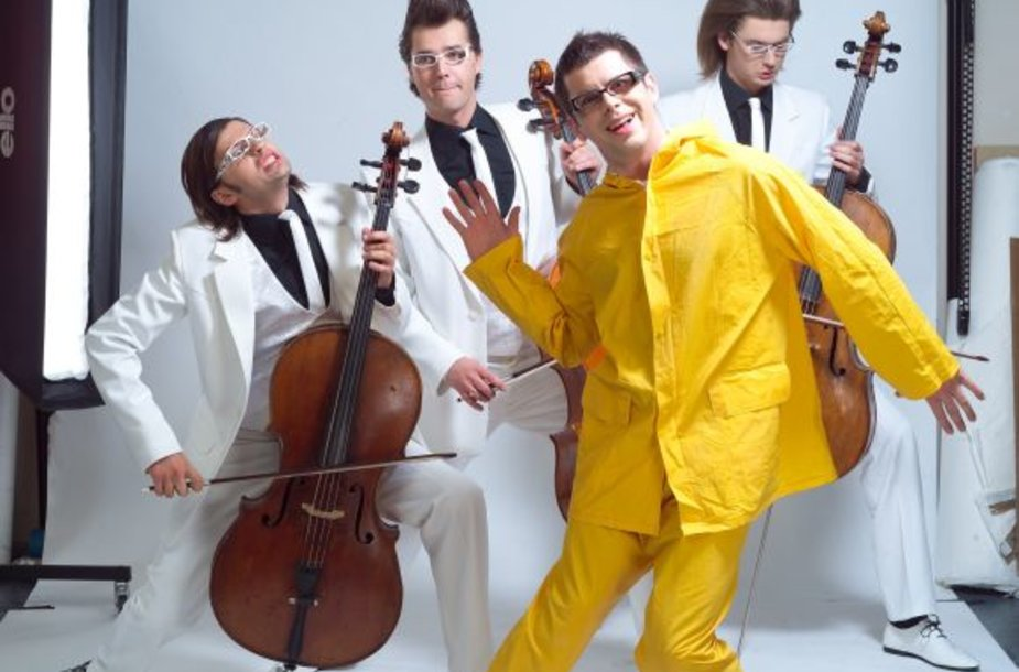 """Grupė """"Melo-M"""" dažnai lyginama su garsiaja """"Apocalyptica""""."""