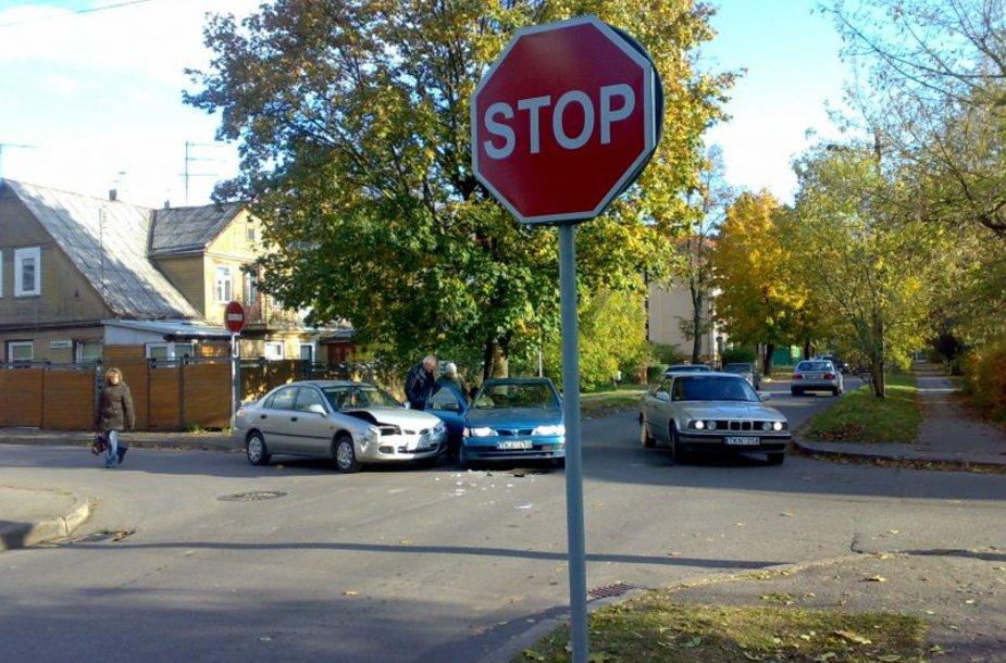 Šią savaitę Aukštaičių ir P.Višinskio gatvių sankryžoje įvyko dvi techninės avarijos. Nuotraukoje - vienas jų.