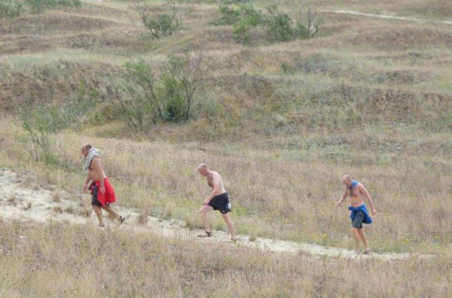 Nidoje buvo stebimi lankytojų srautai kopose.