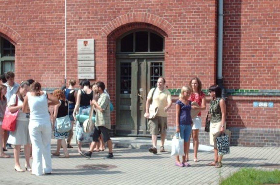 Klaipėdos universitete šią vasarą vėl rinkosi užsieniečiai mokytis lietuvių klabos.