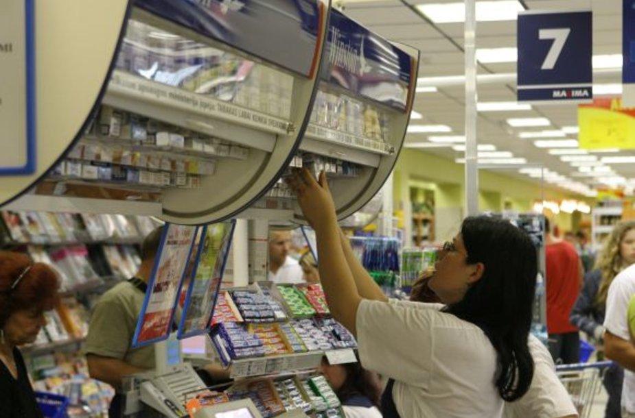 Prekybos centro darbuotojai pasisavino cigarečių už daugiau nei tūkstantį litų.