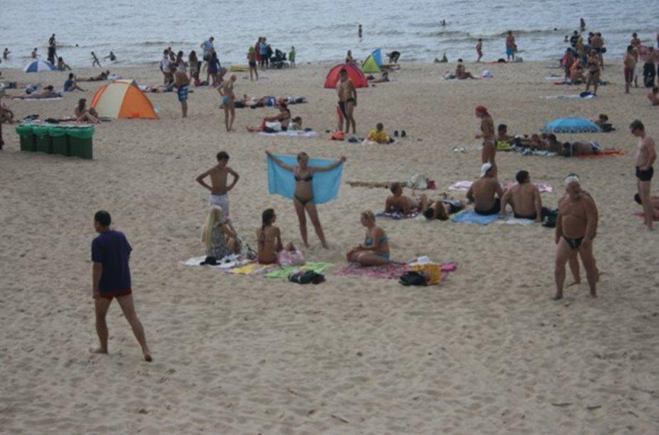 Šią vasarą Palangos paplūdimiai gerokai praplatinti. Tam prireikė maždaug 130 tūkst. kub. m smėlio.