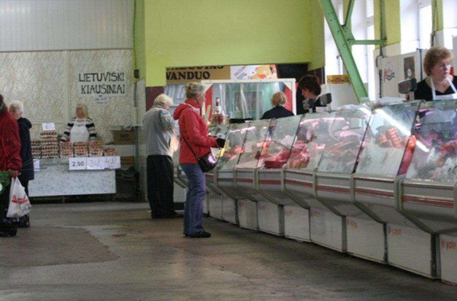 Įvedus kasos aparatus sumažėjo prekiautojų, tad turgaus vadovybė svarsto, kaip dar užsidirbti.