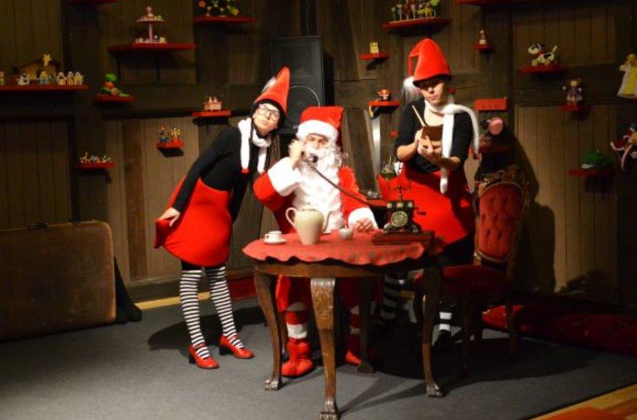 Kalėdų Senelis kviečia į dirbtuves Klaipėdos lėlių teatre Vežėjų gatvėje.