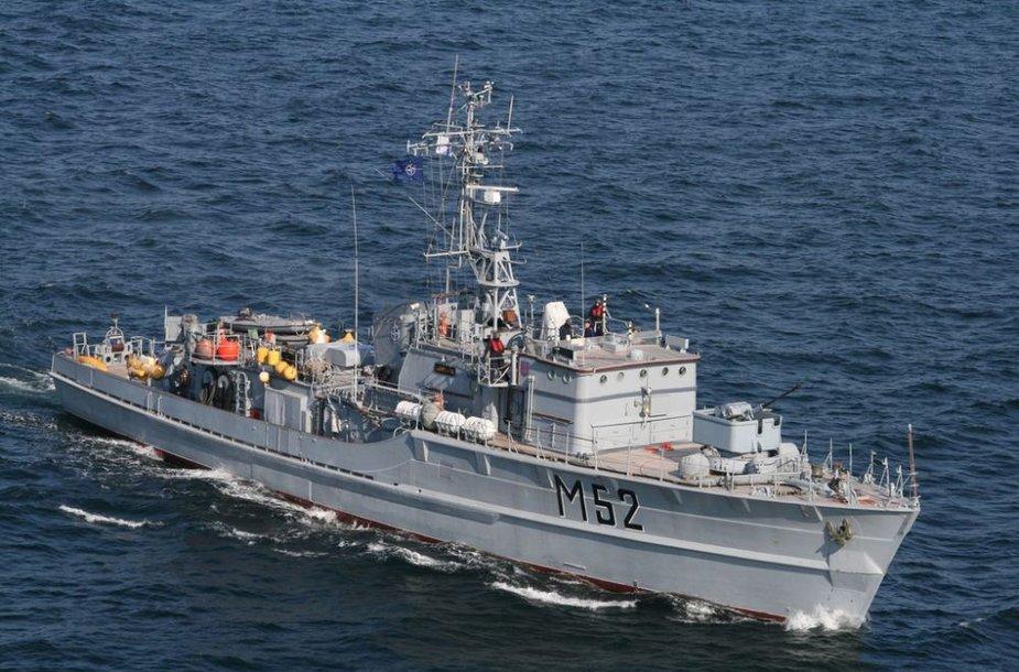 Karinis laivas Baltijos jūroje