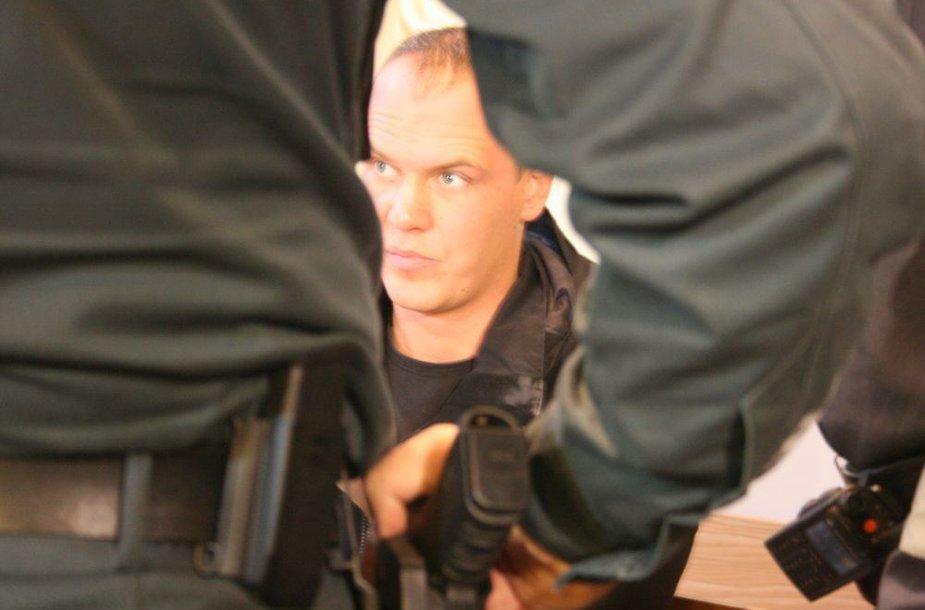 Šiuo metu suimtas A.Paulavičiaus brolis Karolis pageidavo uždaro teismo posėdžio.