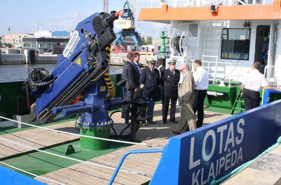 """Klaipėdos uosto direkcija įsigijo naują gylių matavimo laivą """"Lotas""""."""