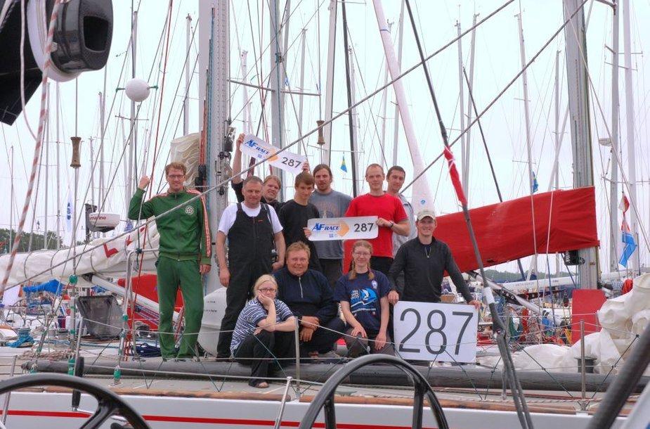 """Jachta """"Lietuva"""" išplaukė į regatą aplink Gotlando salą."""