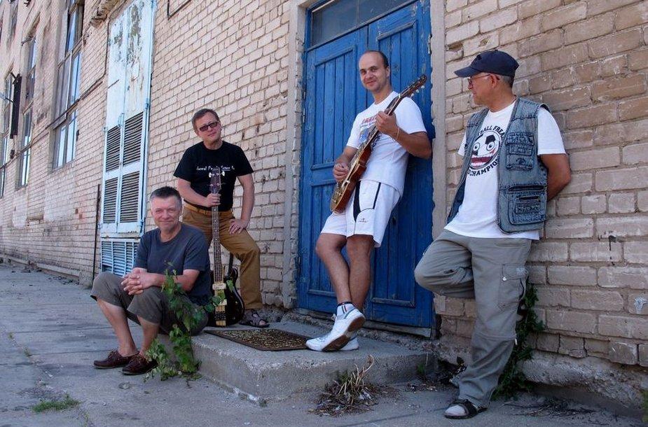 """Atgimstanti grupė """"Kontrabanda"""" penktadienį koncertuos Jūros šventės scenoje."""