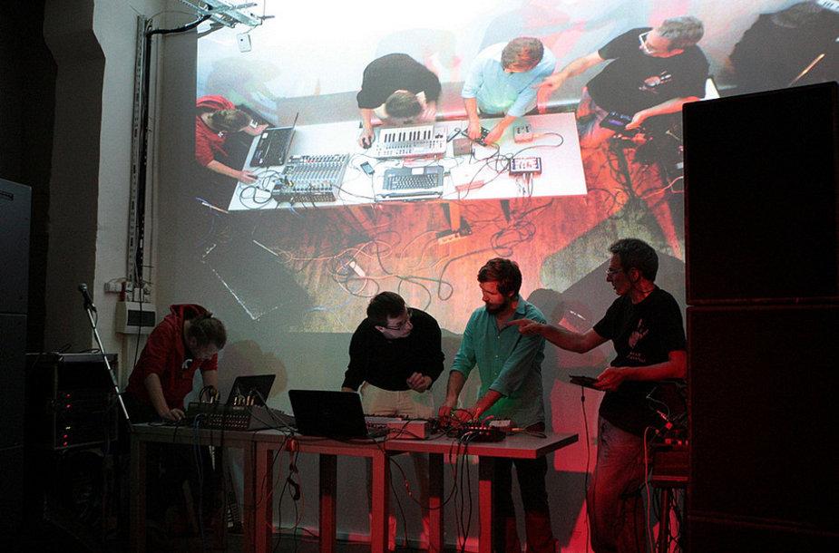 """Klaipėdoje pristatomas tarptautinis garso meno festivalis """"Sound Around""""."""