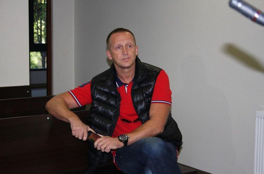 Martynas Tyla Klaipėdos miesto apylinkės teisme įrodinėjo, kad teisės jam – būtinos.