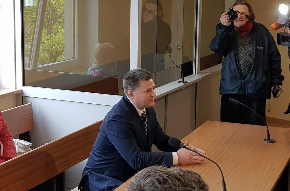 V.Titovas išklausė teismo nuosprendį.