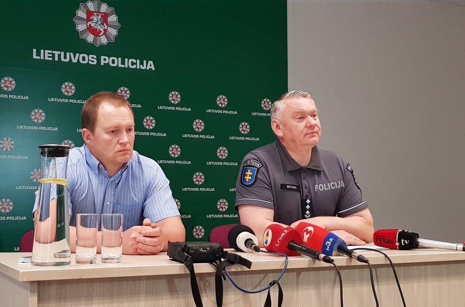 Prokuroras A.Saunorius ir Klaipėdos VPK viršininkas A.Motuzas