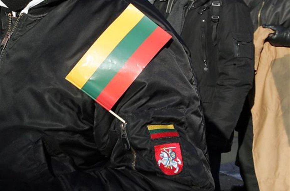 """LTJS pirmininkas J.Panka buvo gavęs informacijos, jog """"Anti-Fa"""" nariai planavo provokacijomis sutrikdyti Kauno centre vykusias eitynes. Spėjama, jog agresyviai nusiteikusių skustagalvių planus sujaukė informacijos apie juos gavę policijos pareigūnai."""