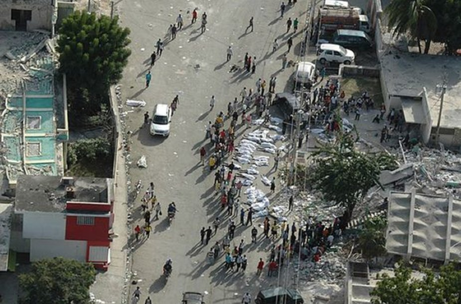 Haičio sostinė po žemės drebėjimo