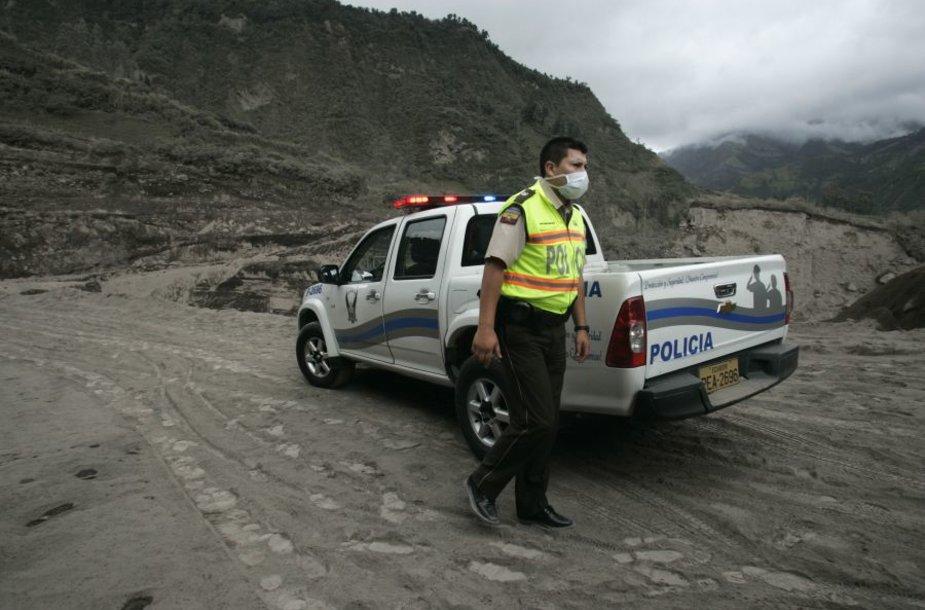 Ekvadoro ugnikalnis yra pabudęs jau daugiau kaip 13 metų.