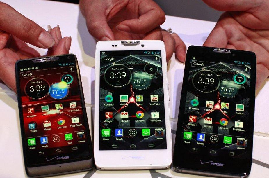 """Nauji """"Motorola"""" išmanieji telefonai (iš kairės) """"Droid Razr M"""", """"Droid Razr HD"""" ir """"Droid Razr Maxx HD"""""""