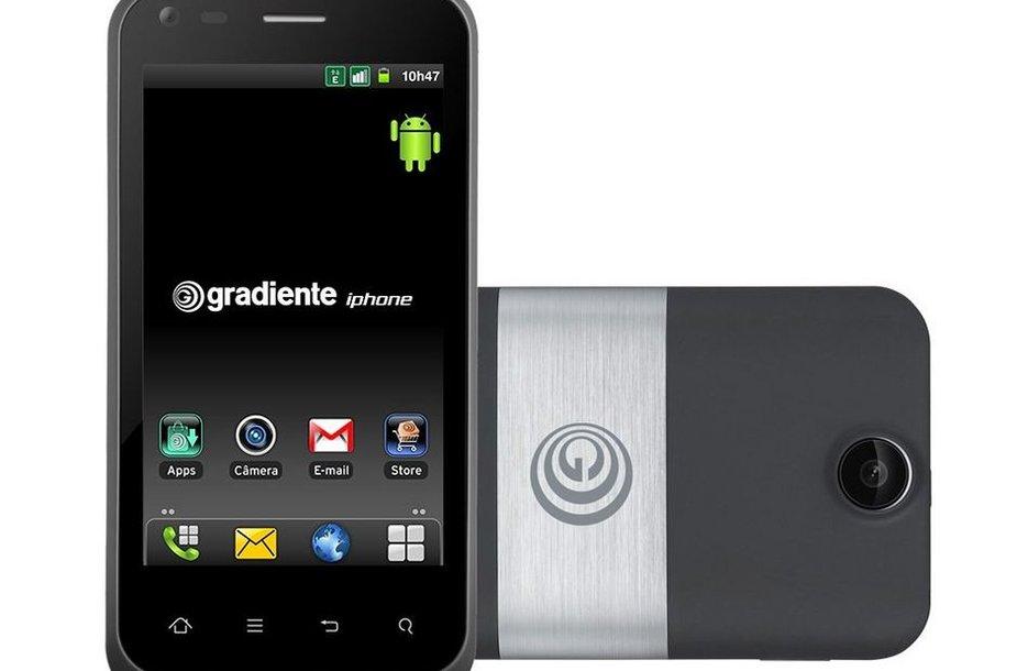 """Brazilijos kompanijos """"IGB Eletronica"""" telefonas """"Neo One"""", priklausantis """"iPhone"""" linijai"""