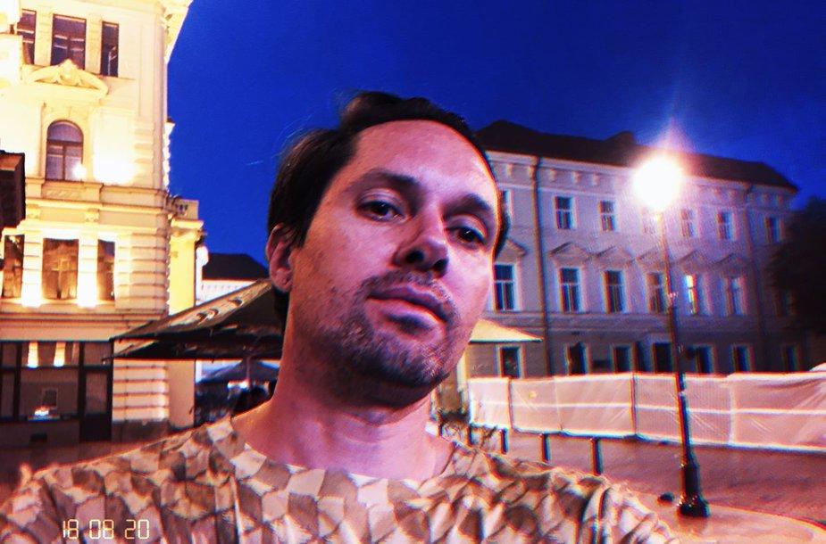 Mike'as Miloshas-Rhye Vilniaus senamiestyje
