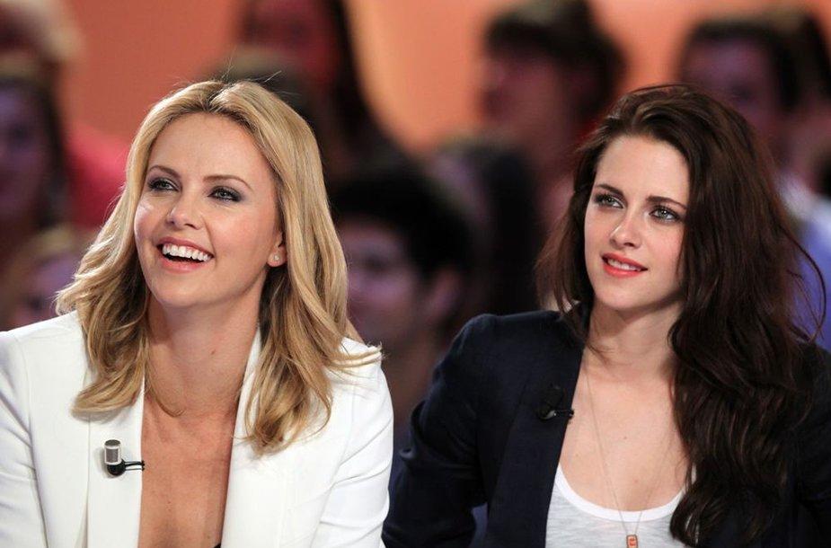 Charlize Theron ir Kristen Stewart