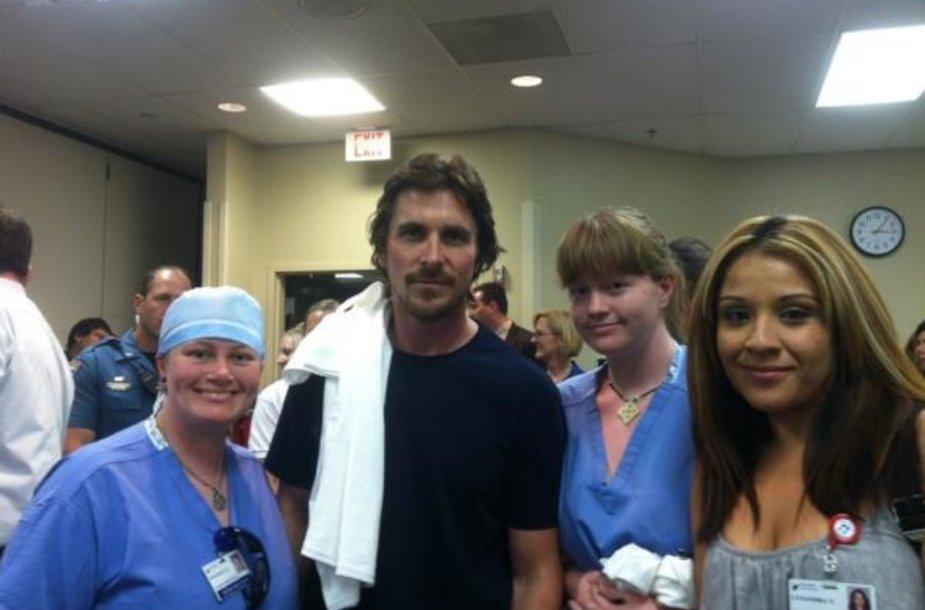 Christianas Bale'as su Auroros ligoninės personalu