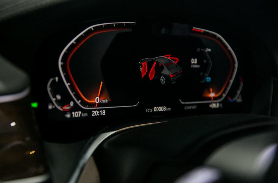 BMW modelių pristatymo akimirka