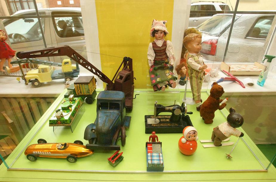 Žaislų muziejaus eksponatai – nuo Viduramžių iki mūsų laikų.