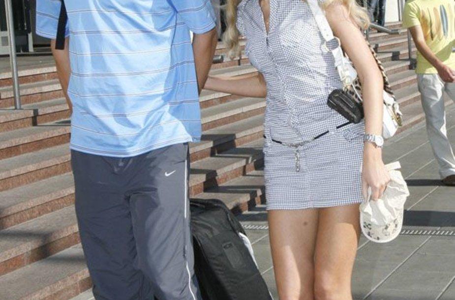 2003-ųjų lapkritį šeimą sukūrusius Simą ir Vaidą Jasaičius, teismas išskyrė 2012-ųjų vasario 15 dieną