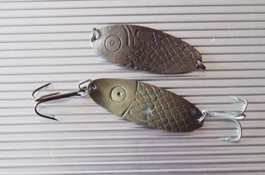 Jau daugiau kaip prieš pusę amžiaus mūsų krašte kaldintos blizgės buvo dekoruojamos įkertamu į paviršių žvynų ornamentu
