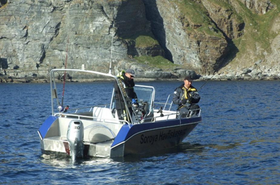 Patikimas ir patogus kateris – būtina meškeriojimo atviroje arktinėje jūroje sąlyga.