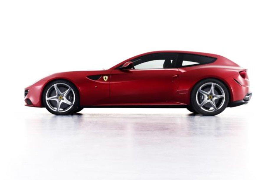 """""""Ferrari FF"""" koncepcija"""
