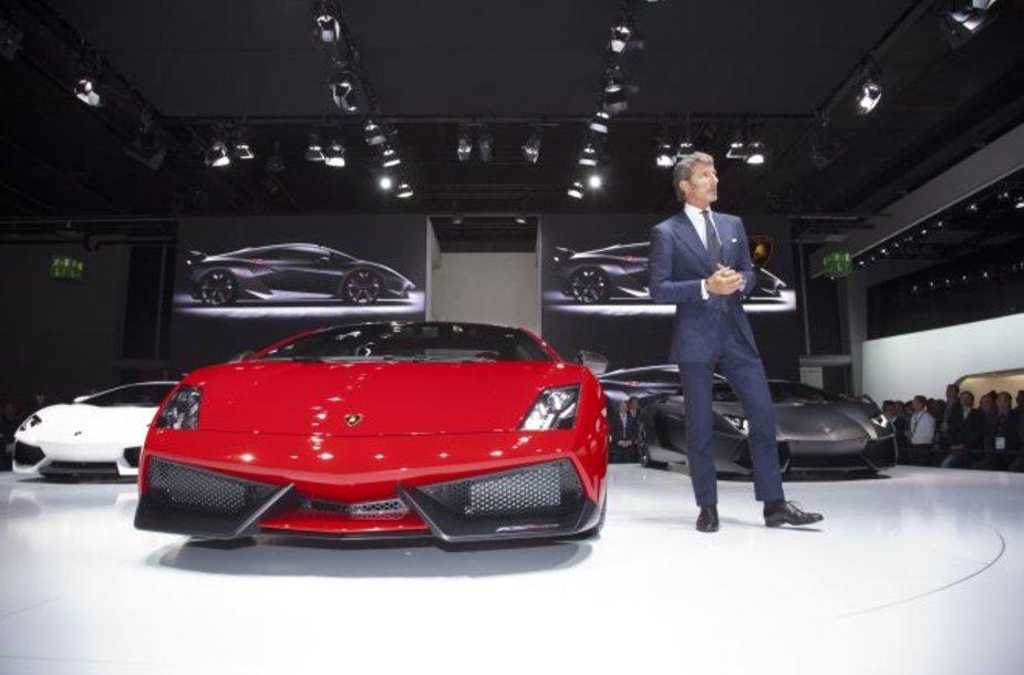 """Lamborghini"" stende - pats bosas Stephanas Winkelmannas"