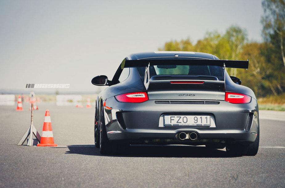 """""""Porsche"""" klubo sezono atidarymo savaitgalis Nidoje"""