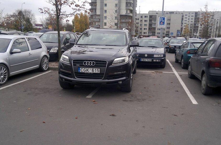"""KET pažeidėjas – prabangus """"Audi Q7"""""""