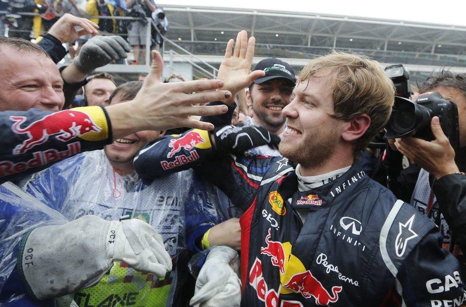 2012-ųjų F-1 čempiono Sebastiano Vettelio triumfas