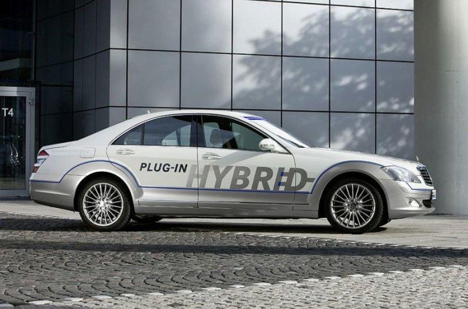 """""""Mercedes-Benz Vision S 500 Plug-in HYBRID"""" – pavydėtinai ekonomiškas"""