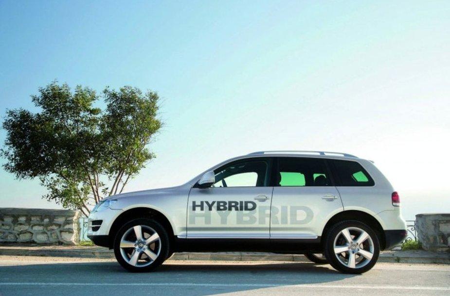 """Hibridinis """"Volkswagen Touareg V6 TSI"""" pasirodys 2010 metais"""