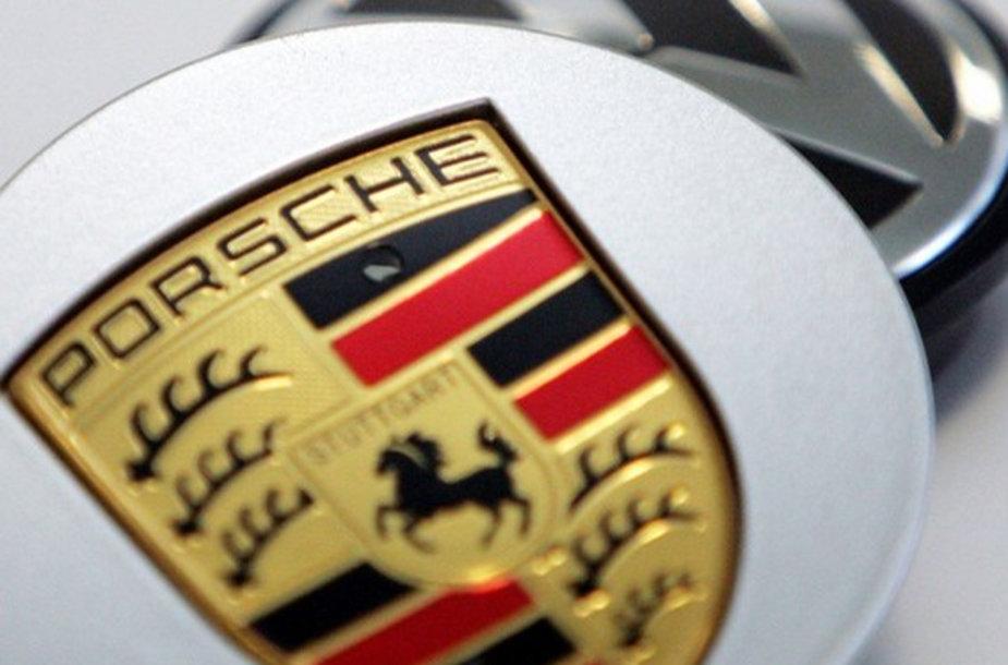 """Porsche"" tęsia ""Volkswagen"" perpirkimą"