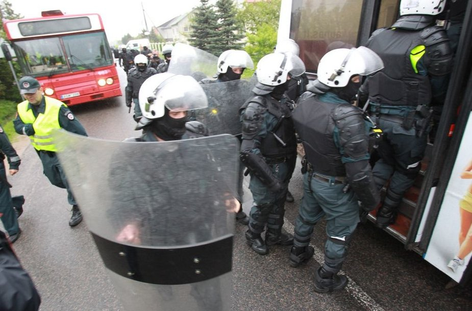 Policininkai palieka Klonio gatvę