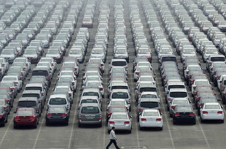 Automobiliai Dajaovano uoste