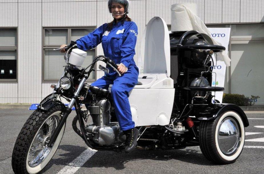"""""""Toilet Bike Neo"""" išmatomis varomas motociklas"""