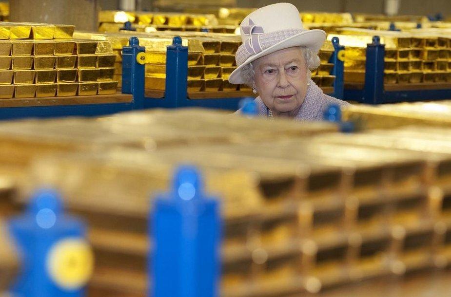 Didžiosios Britanijos karalienė Elizabeth II Anglijos banke