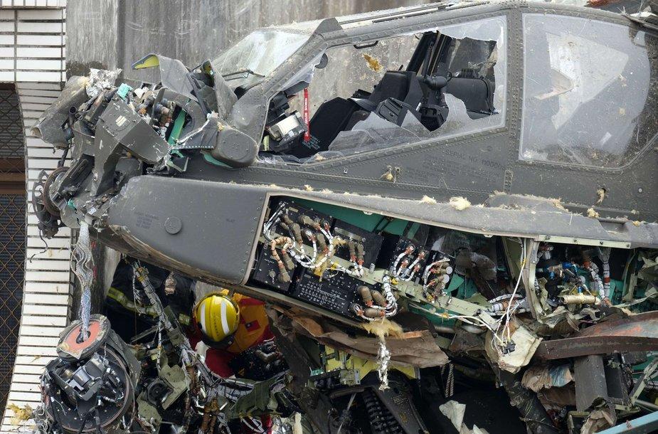 "Sudužęs ""AH-64E Apache"" karinis sraigtasparnis"