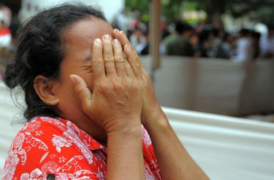 Moteris verkia praradusi sūnų