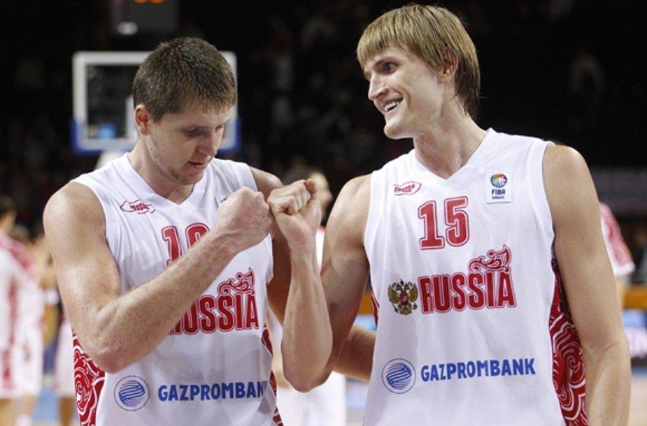 Victoras Khryapa ir Andrejus Kirilenko