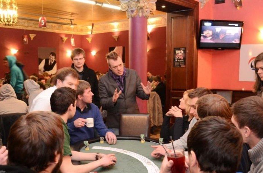 Sportinio pokerio rinktinių mačą laimėjo estai