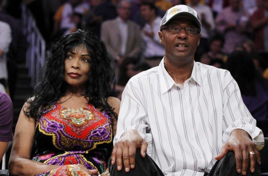 Kobe Bryanto tėvai Pam ir Joe Bryantai.