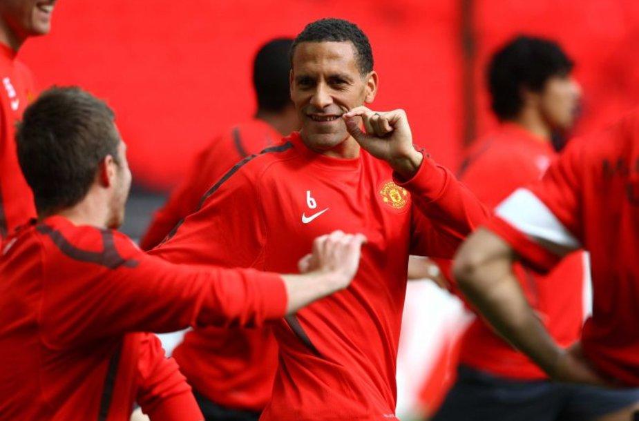 Rio Ferdinandas su komandos draugais