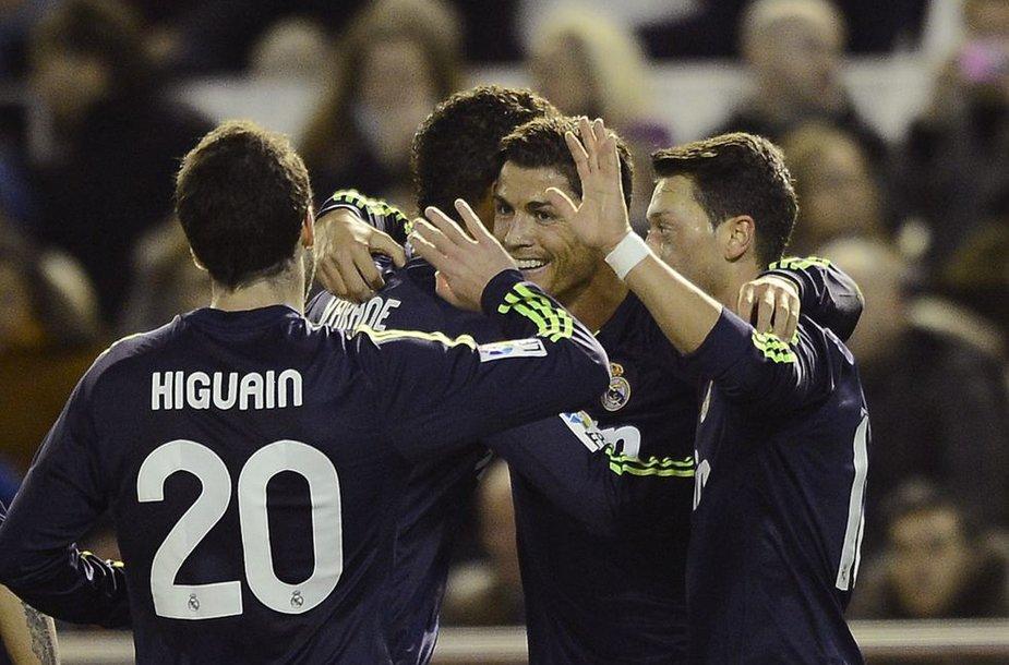 """""""Real"""" futbolininkai svečiuose net 5:0 sutriuškino """"Valencia"""" komandą."""