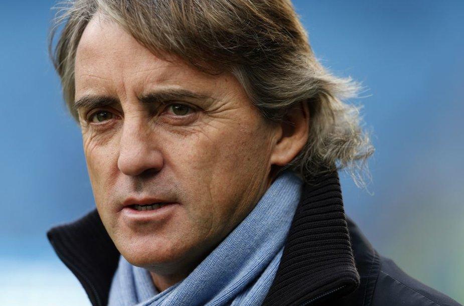 """Svyruoja trenerio Roberto Mancini kėdė """"Manchester City"""" klube"""